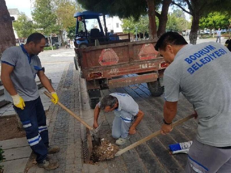 Bodrum'da yağmur suyu kanalları ve mazgallar temizlendi