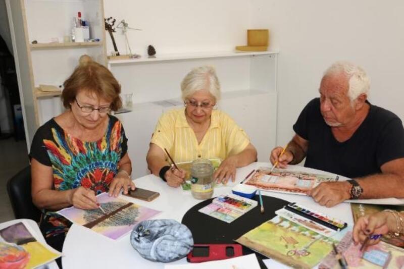 Aktif Yaşlı Merkezi'nde aktif yaşlanıyorlar