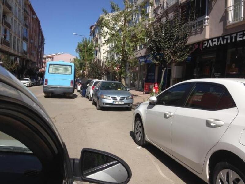 Polisten sivil araçla yolcu minibüsü denetimi