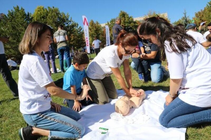 Çankaya'da uygulamalı ilk yardım eğitimi verildi