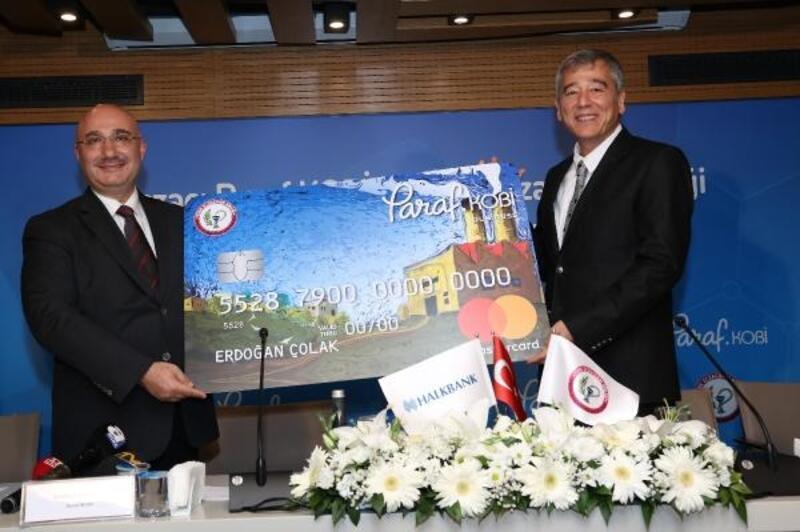Halkbank'tan Eczacı Paraf KOBİ kredi kartı ve Eczacı Destek Paketi