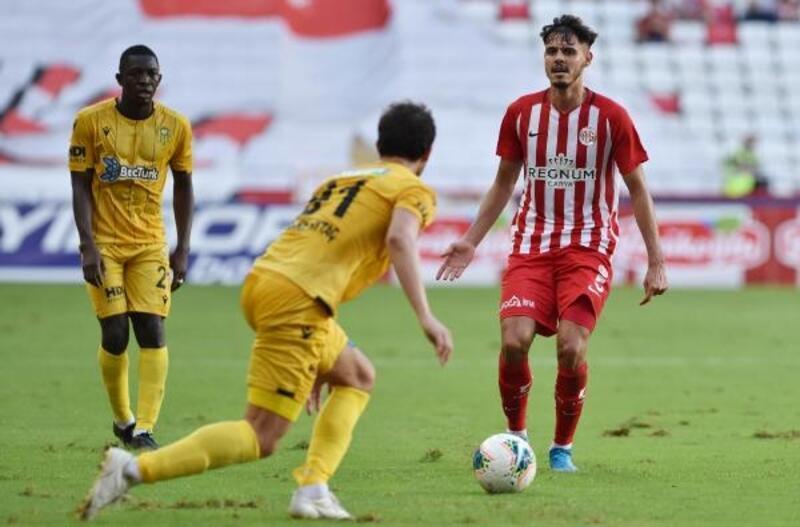 Antalyaspor'da savunmanın yıldızı