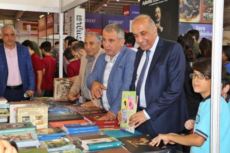 Diyarbakır'da kitap fuarına 5 günde 100 bin ziyaretçi
