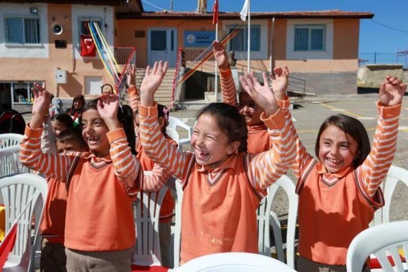 İlkokul öğrencileri, Gezici Çocuk Müzesi'nde eğlendi
