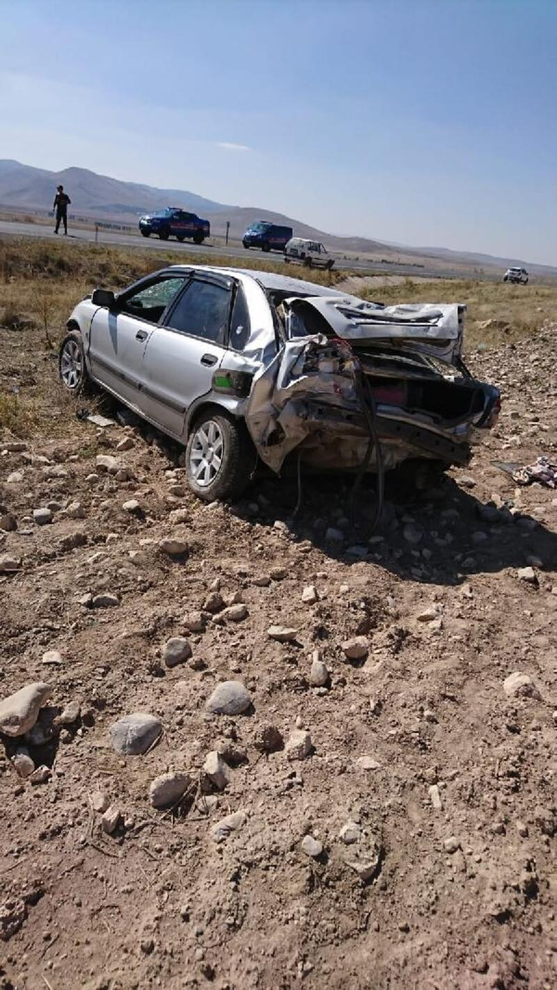Otomobil şarampole yuvarlandı: 2 yaralı