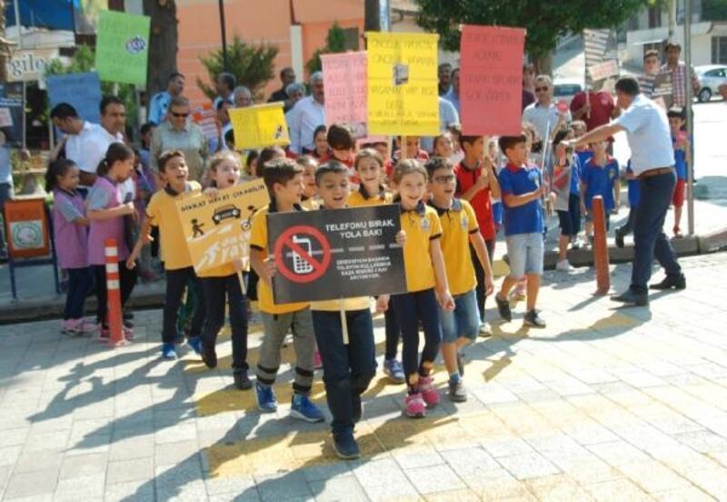 Kırıkhan'da 'Yaya Güvenliğinin Nöbetçisiyiz' etkinliği