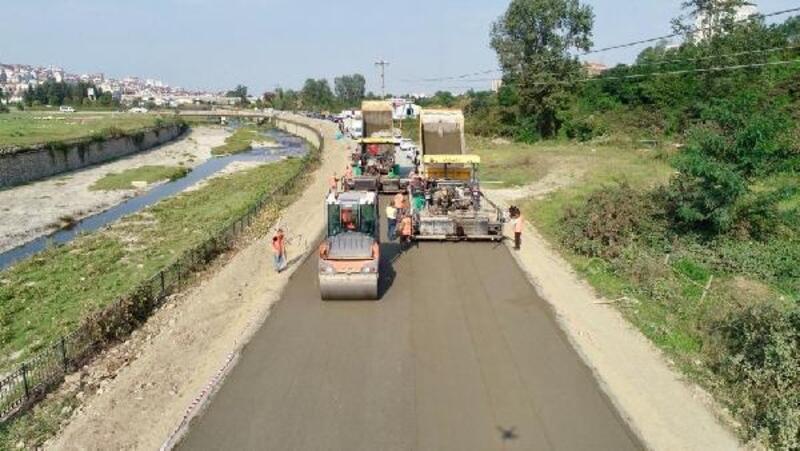 Ordu'da silindirle sıkıştırılmış beton yol uygulaması başladı