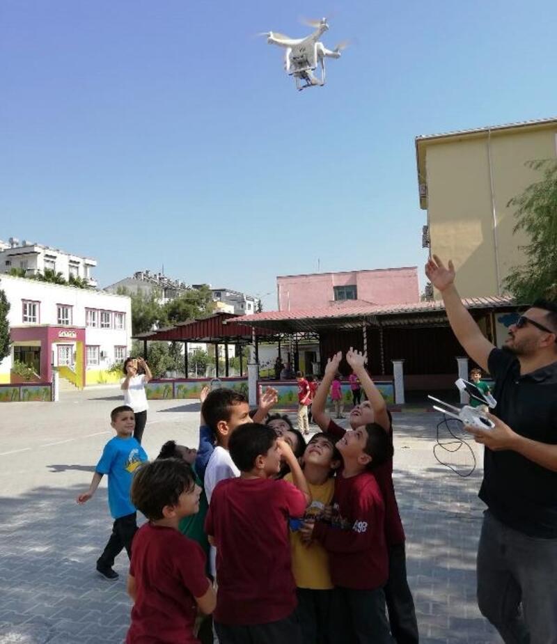 Ceyhan'da öğrencilere drone ile eğitim