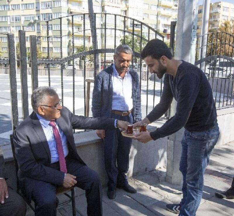 Başkan Büyükkılıç'tan taksici esnafına ziyaret