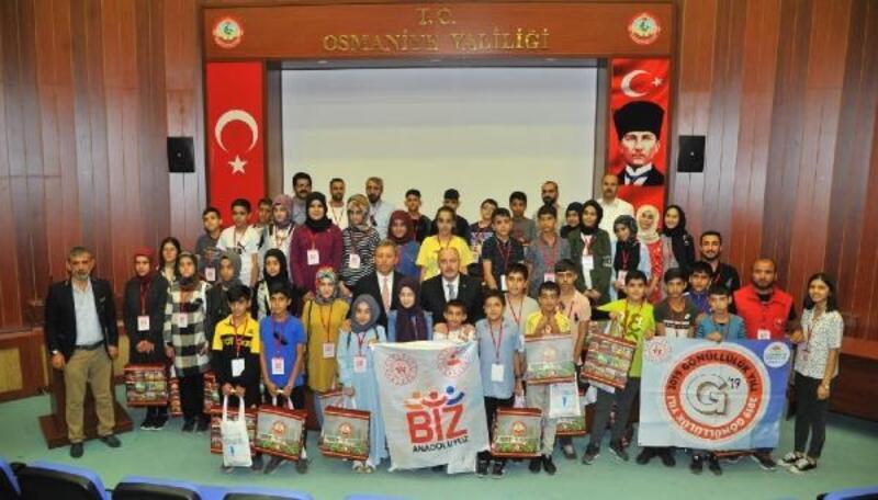 Bingöl'den gelen öğrencilerden Vali Coşkun'a ziyaret