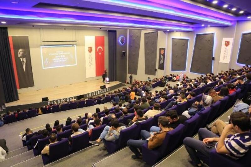 Binlerce öğrenci yeni akademik yıla 'merhaba' dedi