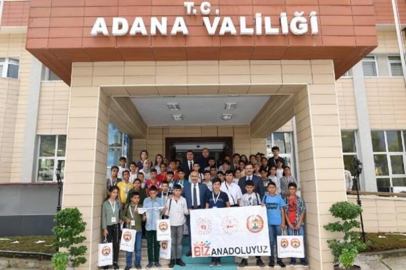 Şanlıurfa'dan gelen öğrencilerden Vali Demirtaş'a ziyaret