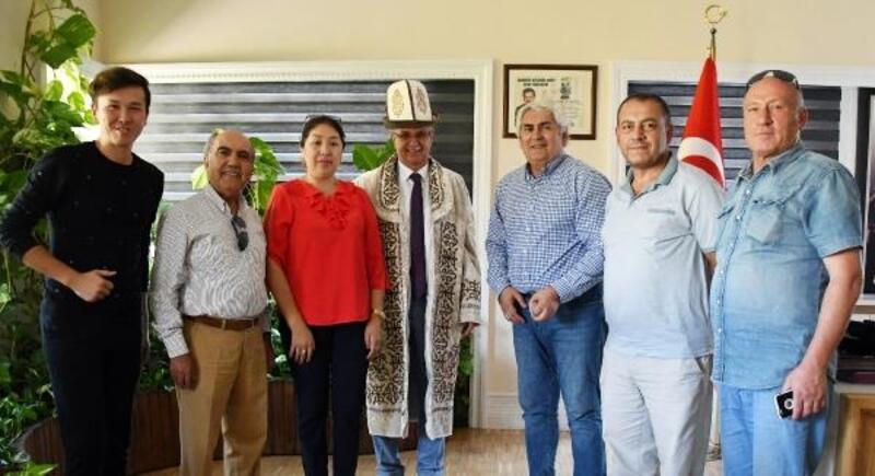 Kırgızlardan Başkan Topaloğlu'na ziyaret