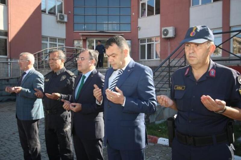 Hacılar'da dualar Mehmetçik için