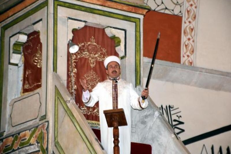 Kılıçlı hutbe okunan camide Mehmetçik için dua
