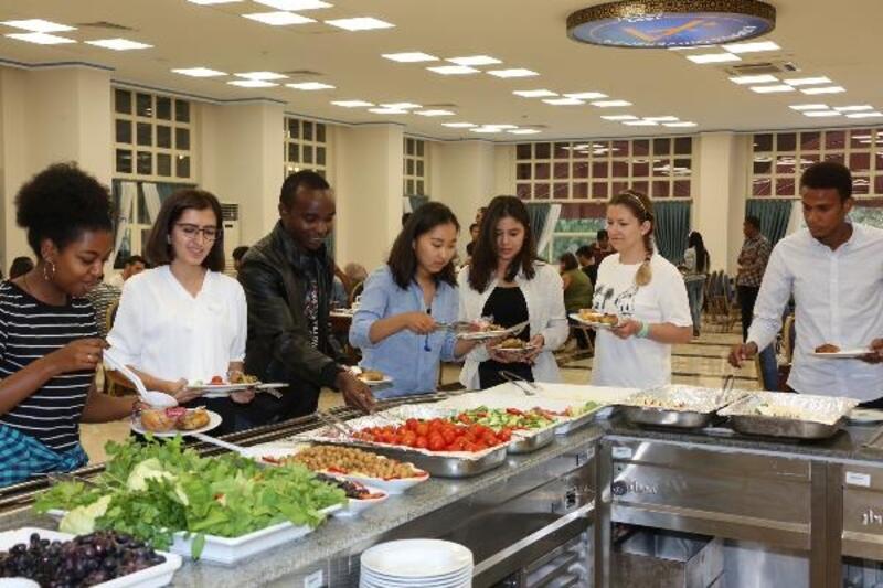 TÖMER'den uluslararası öğrencilere kahvaltı