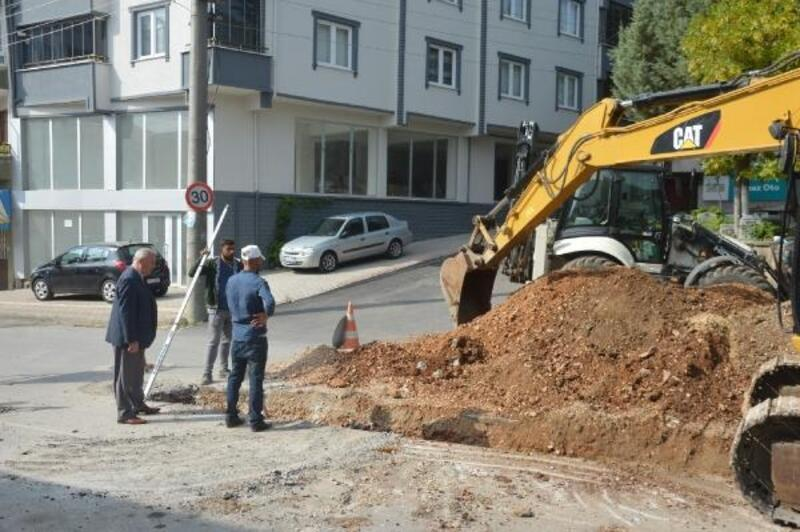 Orhangazi'de mezarlık bölgesi altyapısı yenileniyor