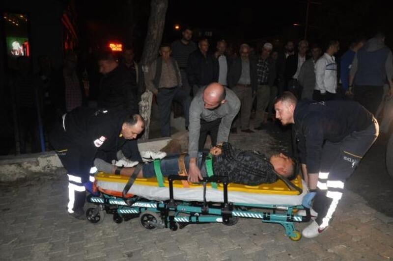 Tekirdağ'da motosiklet arabaya çarptı: 2 yaralı
