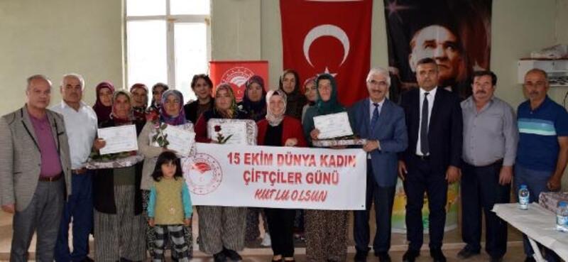 Elmalı'da Çiftçi Kadınlar Günü kutlandı