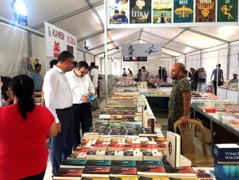Ceyhan Belediyesi 1. Kitap Fuarı açılıyor
