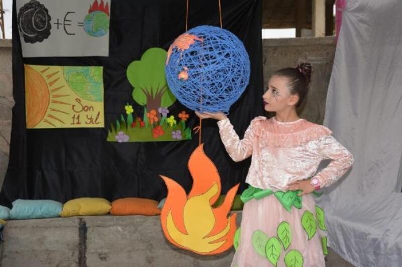 Yüksekova'da ilkokul öğrencilerinden 'Doğa İçin Çiz' etkinliği