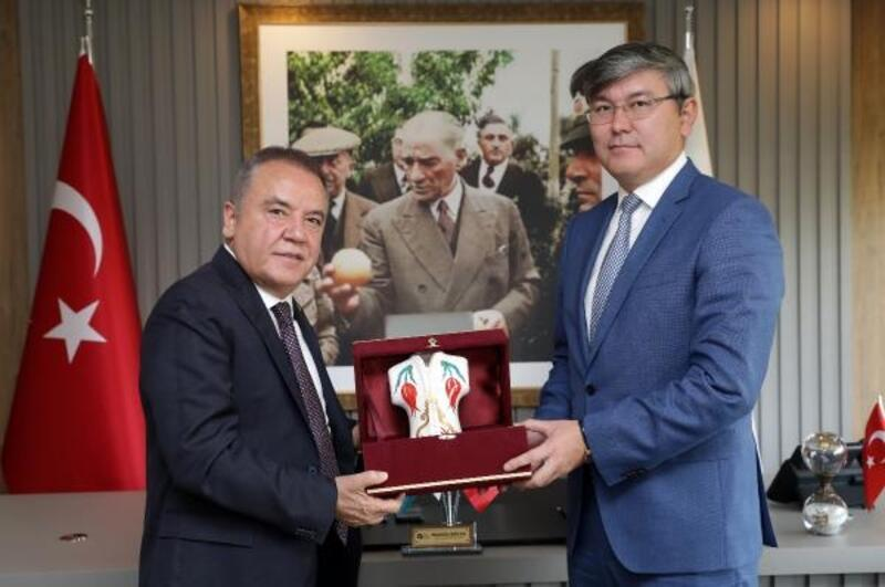 Kazak Büyükelçi 'Tomris' filminin gösterimini talep etti