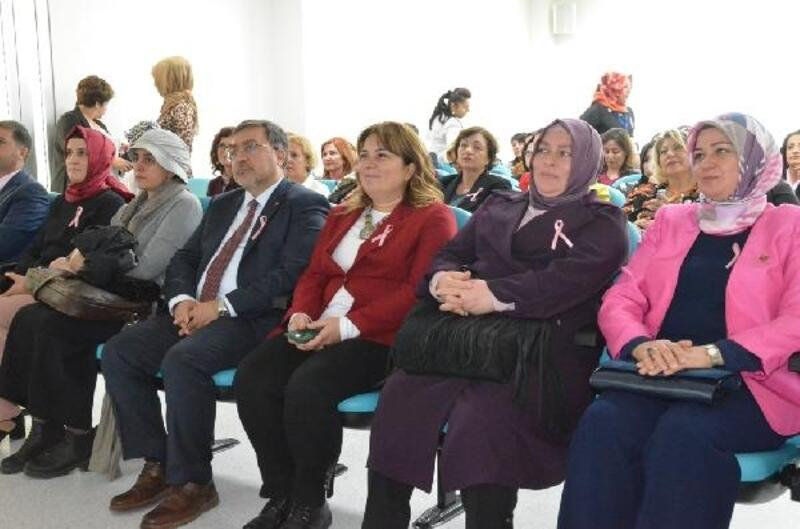Kadın muhtarlara meme kanseri eğitimi