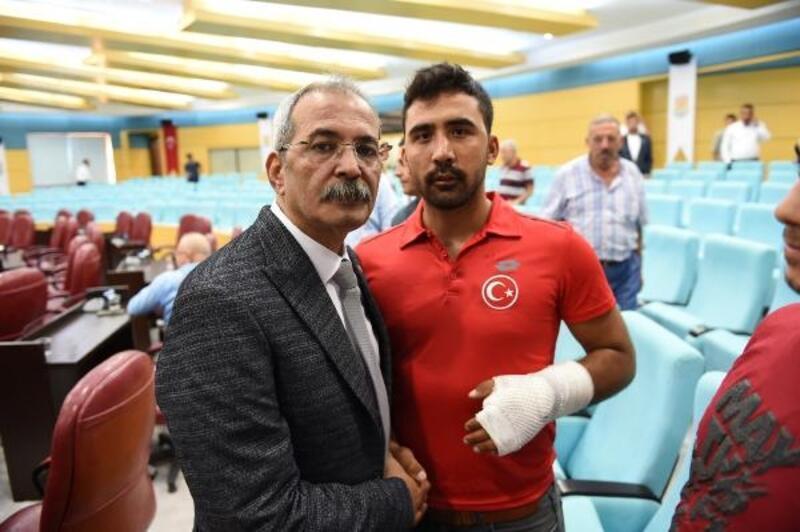 Barış Pınarı Harekatı'nda yaralanan Uzman Çavuşa yardım eli