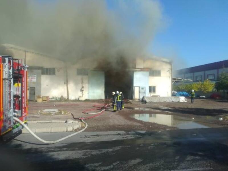 Kayseri'de mutfak malzemesi fabrikasında yangın