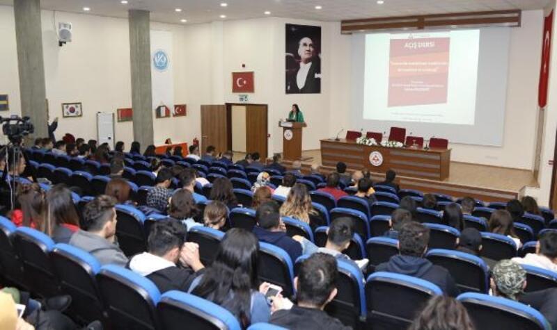 ERÜ'de 'Türkiye'de Konaklama Sektörünün Dinamikleri' dersi