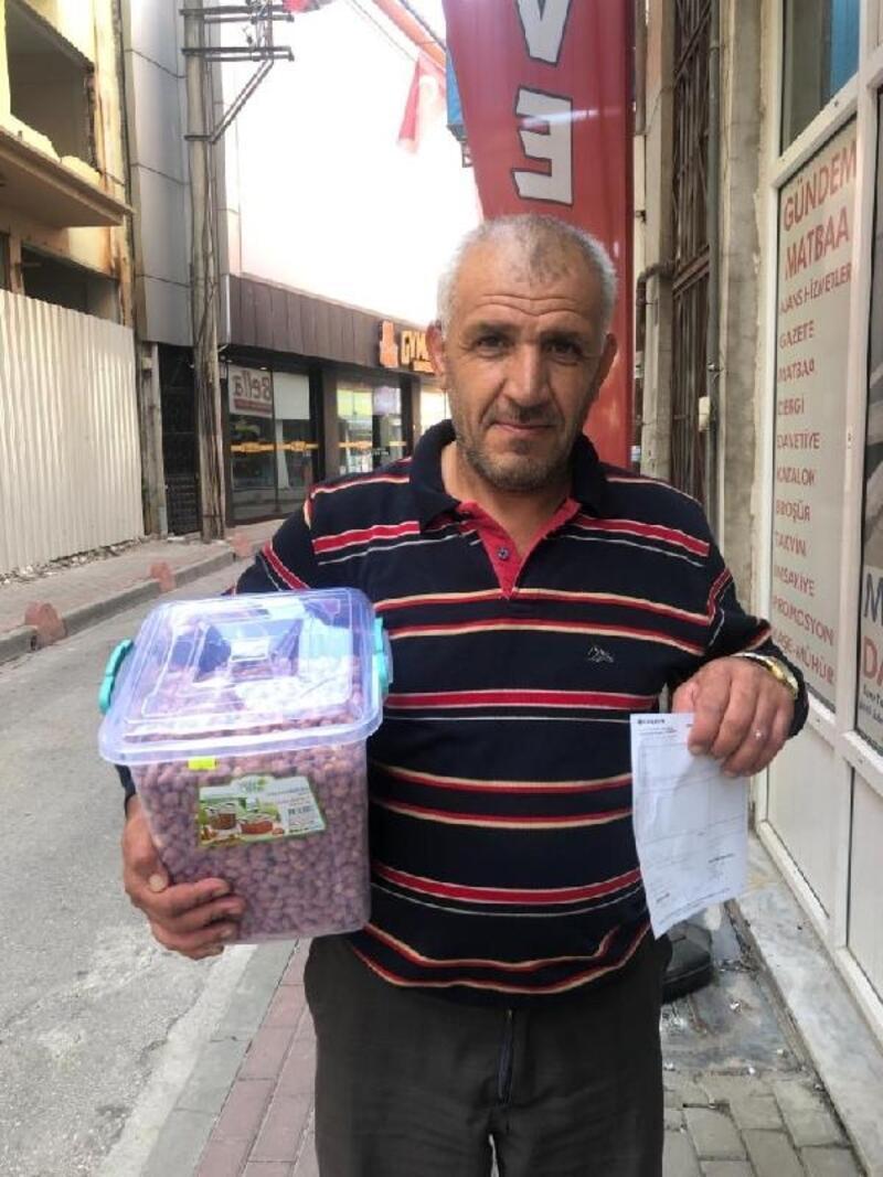 Çerez satarak kazandığı 100 lirayı Mehmetçik Vakfı'na bağışladı