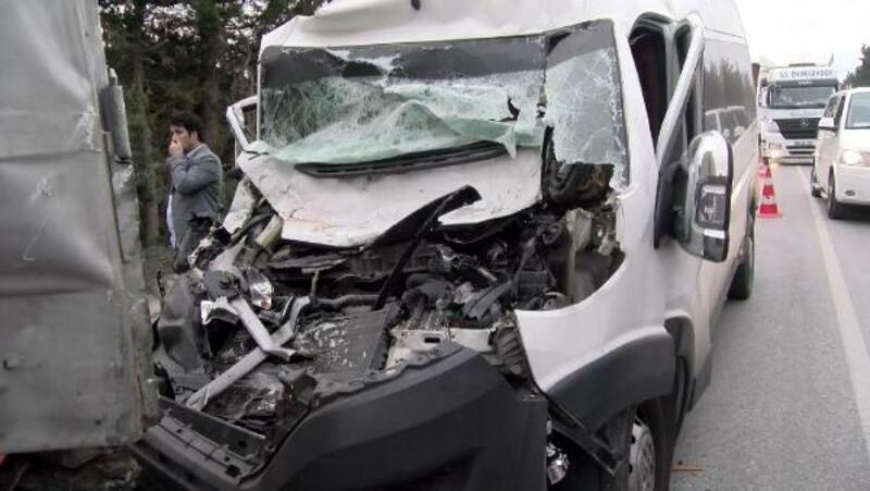 Uyuyakalan servis şoförü ölümden döndü