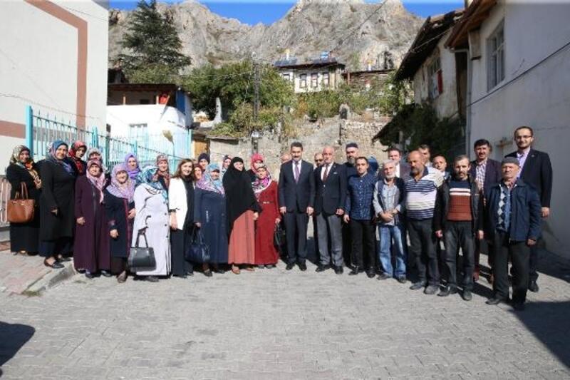 Başkan Eroğlu, mahalle sakinlerine kentsel dönüşümü anlattı