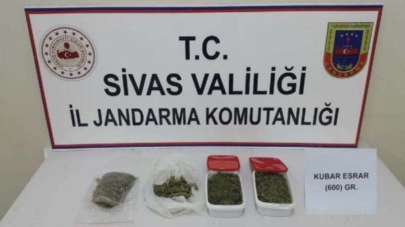 Sivas'ta, Jandarmadan kaçakçılık operasyonları