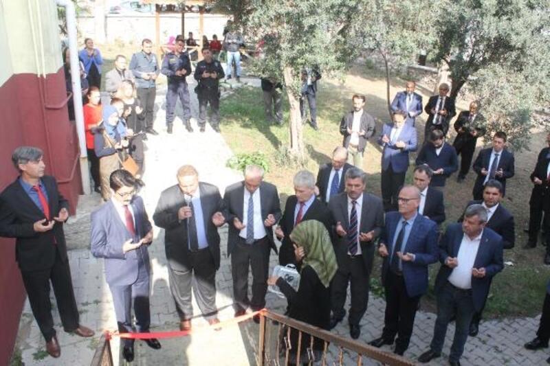 """Manyas'da """"Komşuluk Merkezi"""" açıldı"""