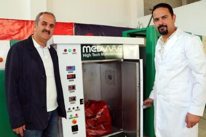 Tıbbi atıkları yerinde dezenfekte etmek için cihaz üretildi