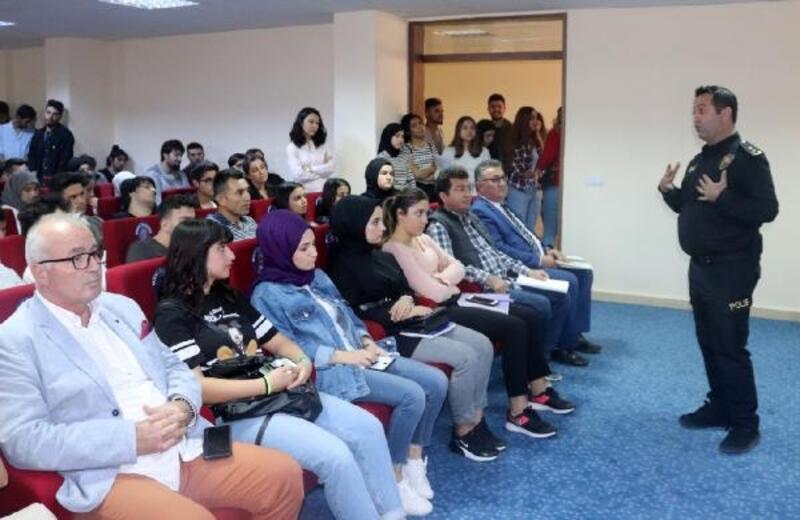 Öğrencilere uyuşturucu semineri