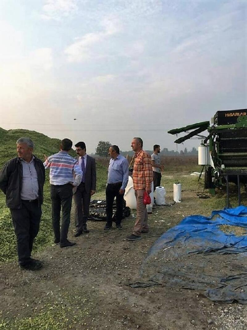 Manyas'ta üreticinin yem ihtiyacı için silaj paketleme makinesi alındı