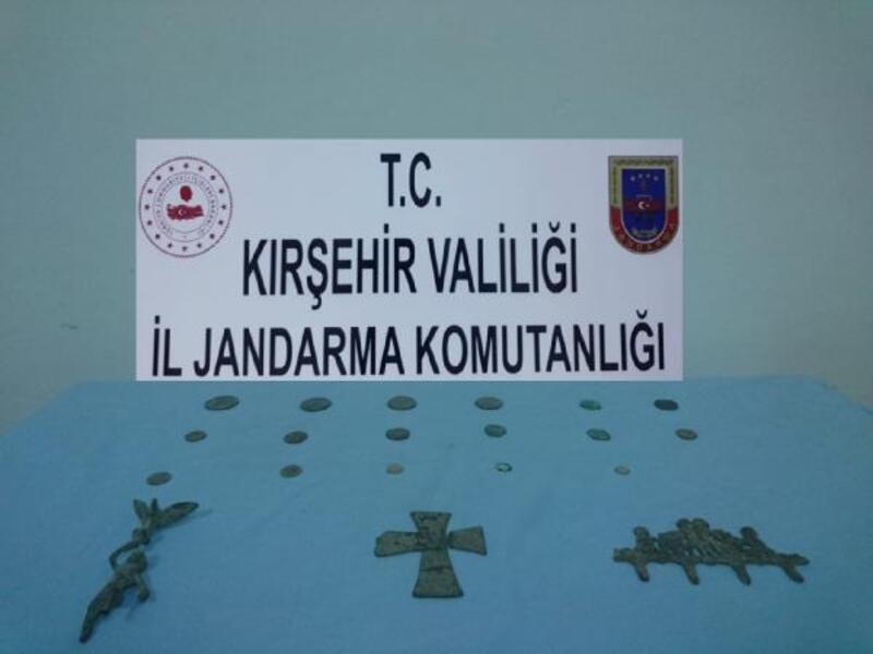 Kırşehir'de motosikletin deposunda 21 tarihi eser ele geçirildi