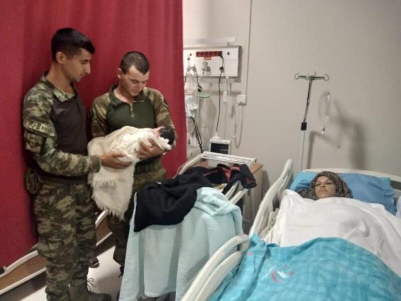 Mehmetçik hastaneye yetiştirdi, annesi kızının adını 'Pınar' koydu