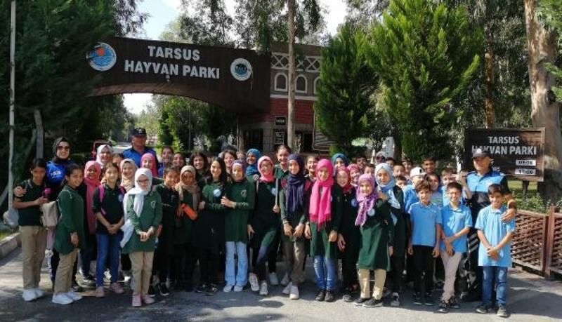 Adana polisinden öğrencilerle gezi