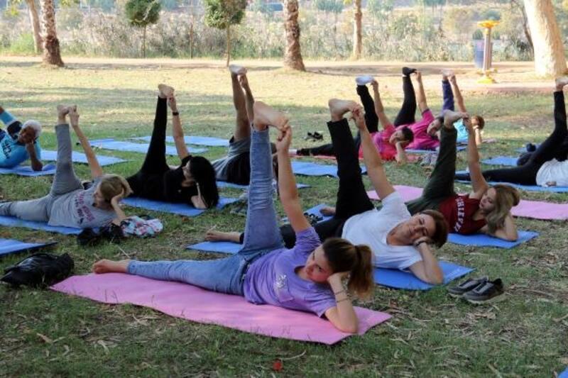 Yoga ile Cumhuriyeti kutladılar