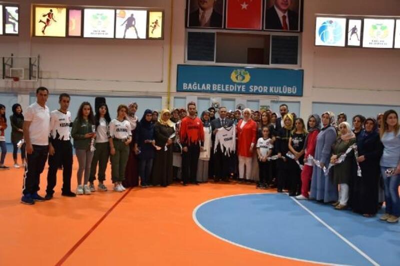 Kadınlara savunma sporları eğitimi