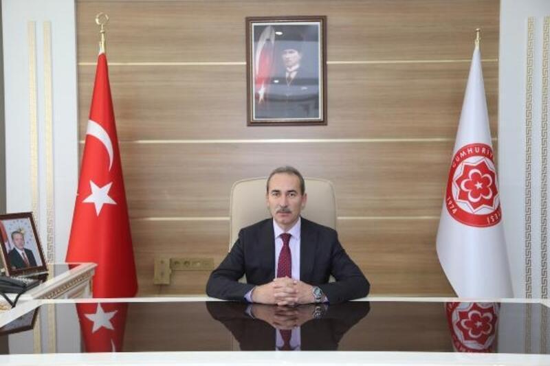 CÜ Rektörü Yıldız'dan Cumhuriyet Bayramı mesajı