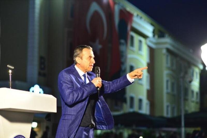 Naim Babüroğlu: Atatürk'ün mucizesidir cumhuriyet