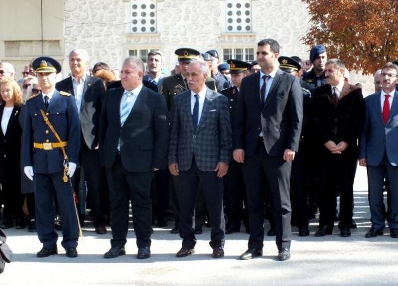 Yenişehir'de Cumhuriyet Bayramı kapsamında çelenk sunma töreni gerçekleştirildi