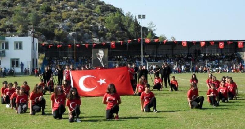 Cumhuriyet Bayramı Demre'de coşkuyla kutlandı