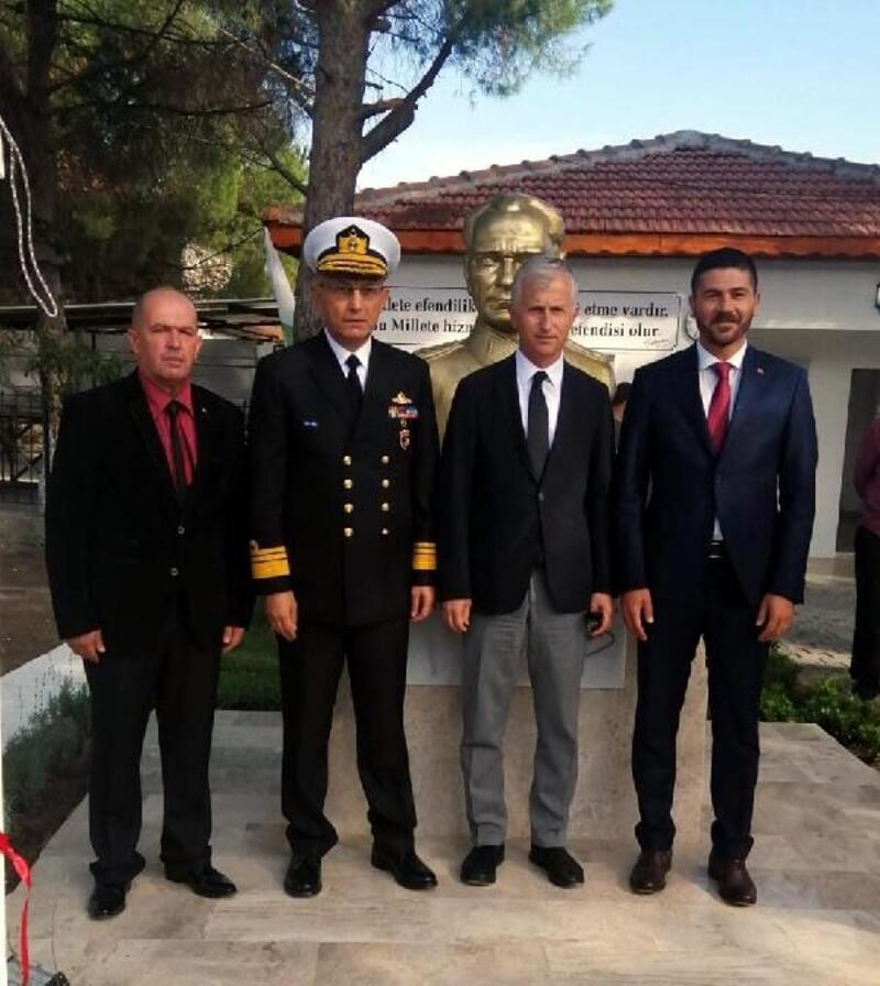 Yenilenen muhtarlık binası ve önüne yaptırılan Atatürk büstü törenle açıldı
