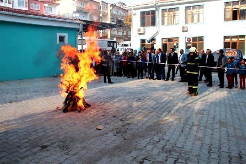 NiğdeİlSağlık Müdürlüğü'nde yangın tatbikatı