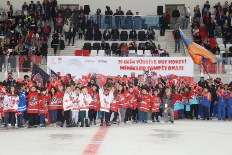 29 Ekim Buz Hokeyi Minikler Kupası Ankara'da yapıldı